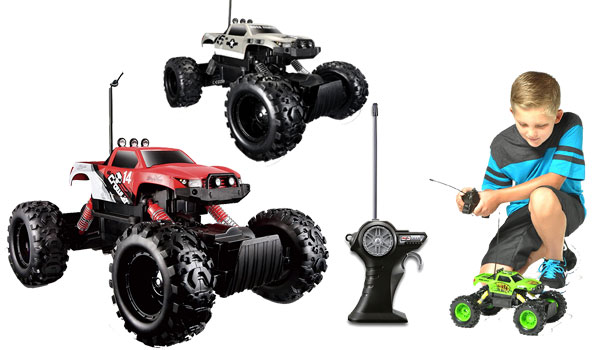 Maisto R/C Rock Crawler Radio Control Vehicle (Colors May Vary)